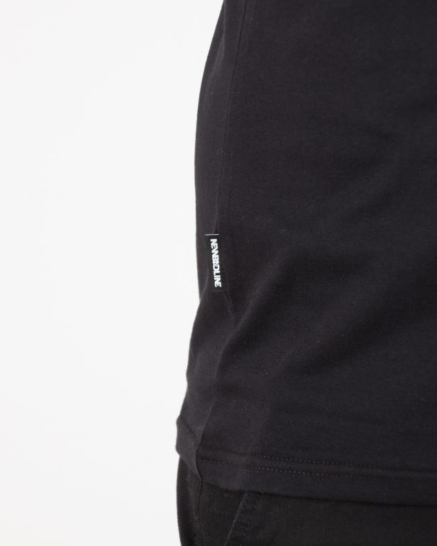T-SHIRT OUTLINE BLACK